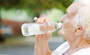 Más de 11.000 pacientes andaluces en seguimiento especial este verano por el calor