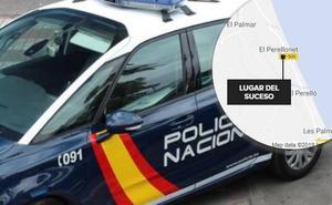 En estado grave una mujer atacada por su pareja con un destornillador y un martillo en Valencia