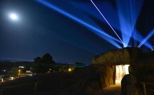 Los Dólmenes de Antequera iluminan el cielo en su tercer aniversario como Patrimonio Mundial