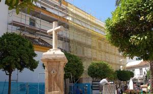La Iglesia de la Encarnación se somete al arreglo del tejado de su nave lateral