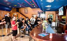Cerveza y patadas voladoras, una mezcla competitiva