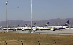 Ryanair reduce su crecimiento y anuncia el cierre de bases por la demora en la entrega de aviones