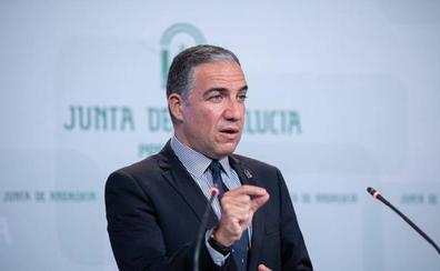 Elías Bendodo corrige a la consejera Rocío Ruiz y afirma que en la Junta sí existe brecha salarial
