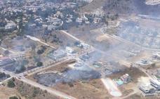 Extinguido un incendio en el paraje La Capellanía de Benalmádena