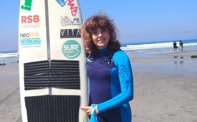 La primera española en un Mundial de Surf Adaptado: «En el mar no soy la ciega»