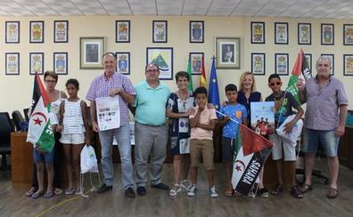 Menores saharauis pasan unas 'vacaciones en paz' alojados con familias de la Axarquía