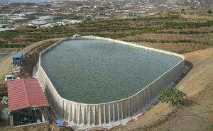 La Junta realiza un nuevo reparto de agua entre las comunidades de regantes de la Axarquía hasta octubre