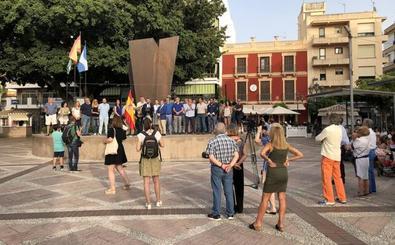 Concentración de Vox en Fuengirola: «Vamos a conseguir que Borja no entre en prisión»