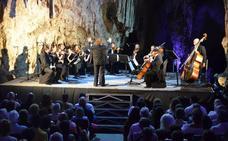 Concerto Málaga emociona en la Cueva de Nerja