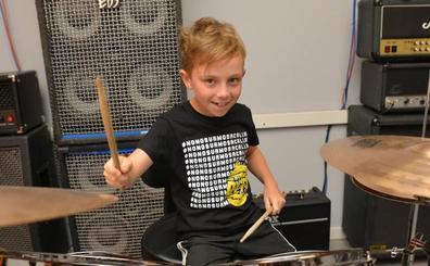 El batería profesional más joven del mundo