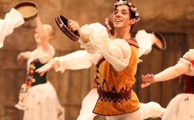 Jesús Arroyo, el primer bailarín español en el ballet Mariinsky de San Petersburgo: «Hay muchos prejuicios»