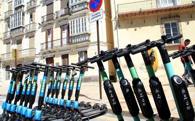 El Ayuntamiento de Málaga prohíbe el uso de patinetes en el Centro durante la feria