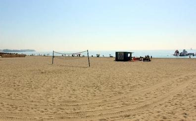 Estepona contará con la primera playa sin humo de la Costa del Sol en La Rada