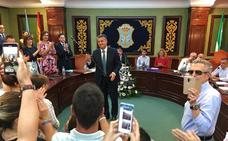 El equipo de gobierno del PP en Nerja aprueba una subida salarial de hasta el 25% con la abstención de Cs y Vox