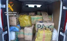 36 detenidos en la Axarquía de tres bandas dedicadas a introducir grandes cantidades de hachís por vía marítima