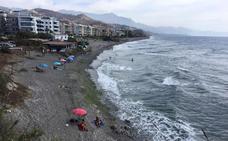 Quejas por la falta de arena en varias playas de la Axarquía