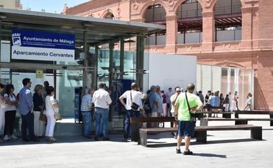Colas en La Malagueta para adquirir entradas para los toros