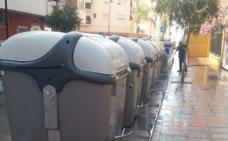 Mijas inicia una campaña policial que multará con hasta 3.000 euros a los vecinos que no arrojen bien la basura