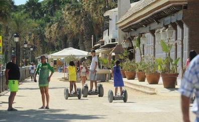 El Ayuntamiento de Marbella limita el uso de patinetes eléctricos al carril bici y a parte del paseo marítimo
