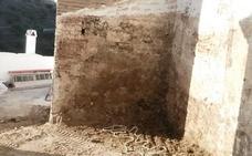Descubren la puerta de acceso original a la antigua mezquita de Daimalos