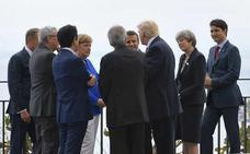 Juncker y Johnson abordarán las negociaciones del 'brexit' en el G-7