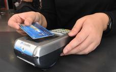 Le roba la tarjeta a su jefe en Estepona y le carga gastos por más de 6.000 euros