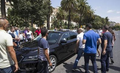 Condenan en Málaga a cinco taxistas por coacciones y daños a un VTC en la huelga de 2017