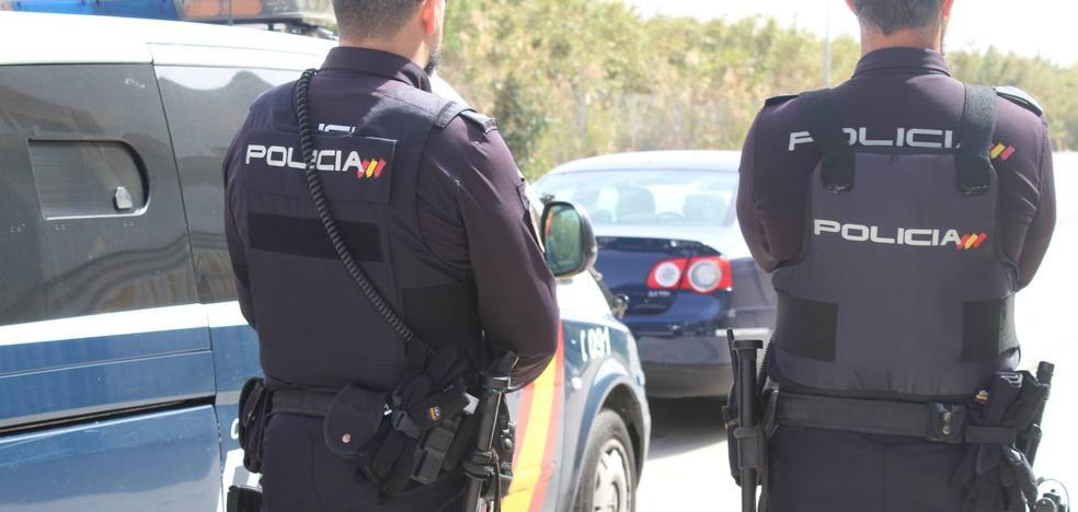 Detenido un conductor de VTC por fingir un secuestro para ocultar que se gastó la recaudación en una orgía en un club de Fuengirola