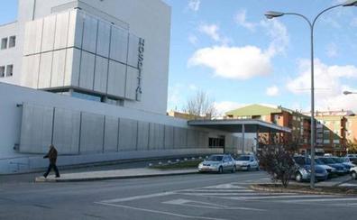 Se queda sin indemnización por ir a un hospital privado tras cinco operaciones fallidas en Murcia