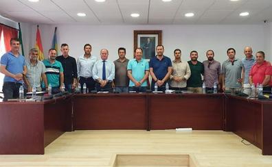 Catorce pueblos del interior de Málaga piden una reunión urgente para acabar con la falta de agua potable