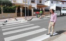 Tráfico instalará pasos de peatones elevados en varias calles contra el exceso de velocidad