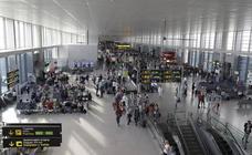 Detenido en el aeropuerto de Málaga con cuatro kilos de marihuana en la maleta