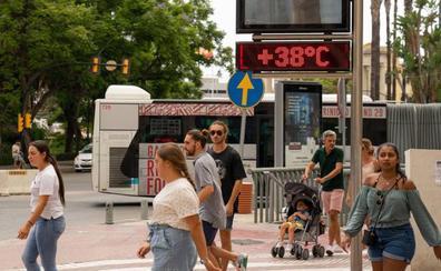Meteorología eleva a naranja el aviso por calor en Málaga este domingo