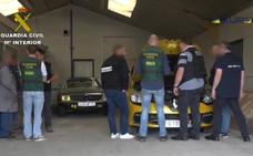 Cae una red que robó medio centenar de coches usando una gestoría de Fuengirola
