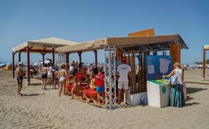 Lecciones de reciclaje a pie de playa