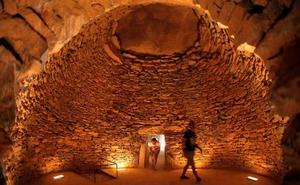 Los Dólmenes, Teatro Romano, Acinipo y Baños Árabes superan los 354.770 visitantes en el primer semestre