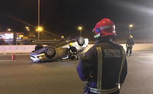 Un hombre resulta herido tras dar varias vueltas de campana su coche en la A-7 a la altura de El Limonar