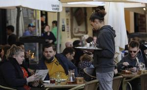 El empleo en la hostelería en Andalucía creció un 5,1 % en julio