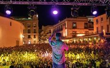 Denuncian la venta de alcohol a menores durante un concierto gratuito en Ronda