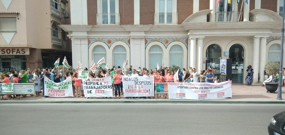 They protest for the dismissal of the ten workers of the public nursery of Torrox