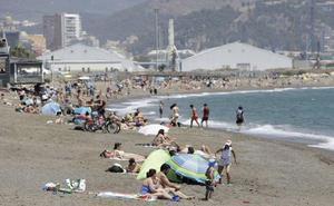 Roba a unos turistas mientras se daban un baño en la playa de San Andrés «porque tenía el mono»
