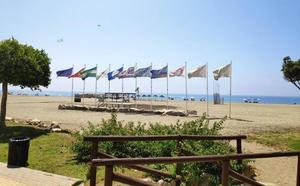 Benajarafe, una playa para disfrutar en familia