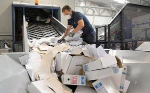 Justicia destruye más de 270.000 expedientes judiciales antiguos y sin valor para liberar espacio en los archivos de Málaga