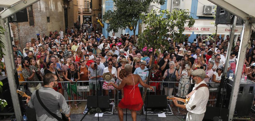 Vídeo | Conciertos en las plazas: la banda sonora de la Feria