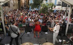 Los conciertos en las plazas mantienen el ritmo del Centro