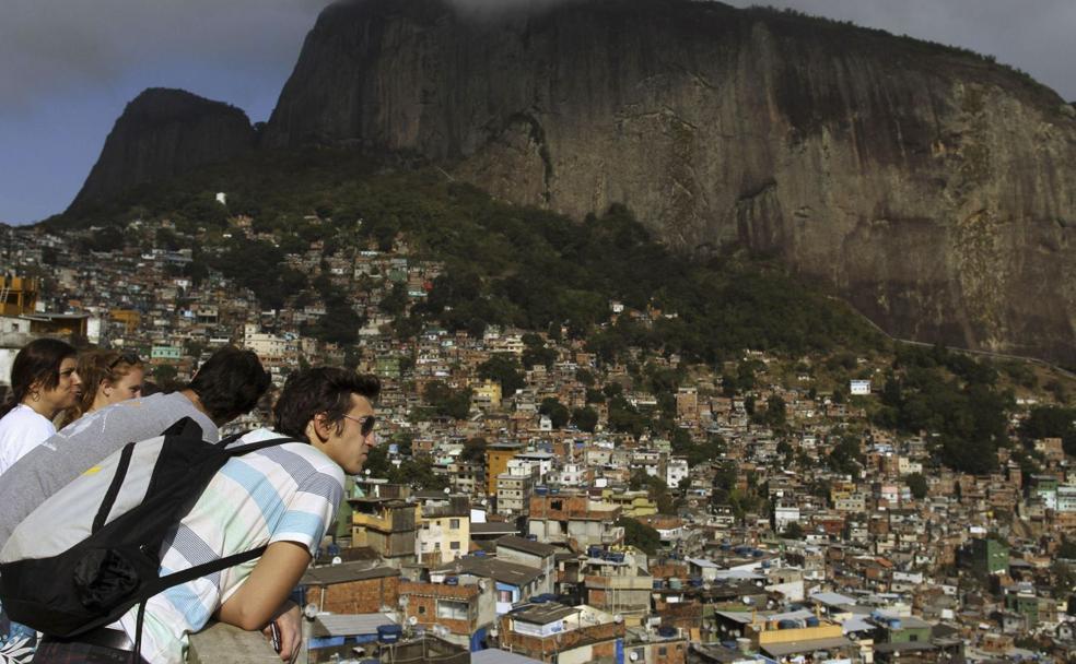 Turismo De Pobreza Uno Más En La Favela Diario Sur