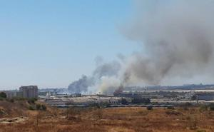 Extinguido el incendio junto al polígono industrial Guadalhorce