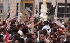 Málaga cuelga el 'lleno' empujada por la Feria
