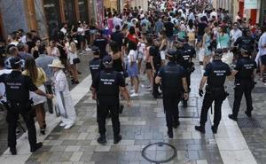 La Policía Local cierra ocho establecimientos por vender alcohol a menores en la Feria de Málaga
