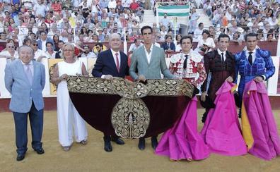 El Fandi causa baja hoy en Málaga por lesión